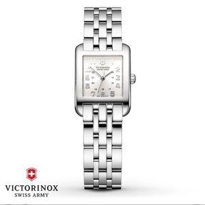 Vintage Victorinox stainless ladies watch 24022